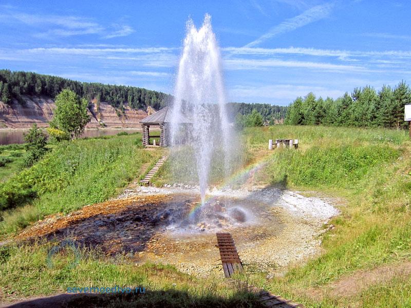 Артезианский источник воды